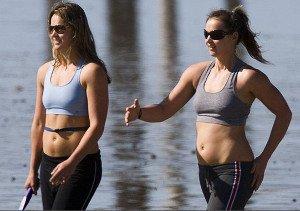 Sportifs qui s'entrainent pour la perte de poids avec cet entrainement physique et la séances de sport