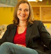 Sandrine Ostmane est comportementaliste et créatrice de Chien Mode d'Emploi